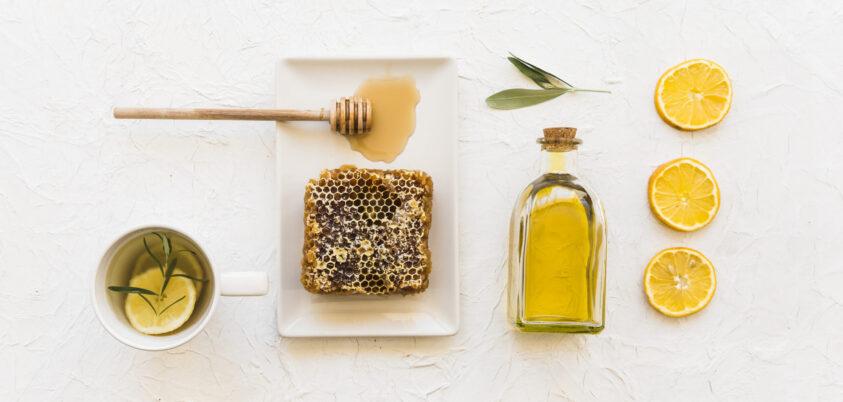descubre todos los beneficios de juntar aceite de oliva y miel